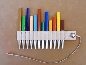 使いかけの色鉛筆を入れたところ