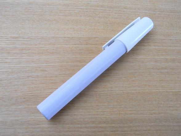 ペン型粉末容器