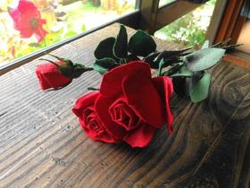 古布で作られたバラ