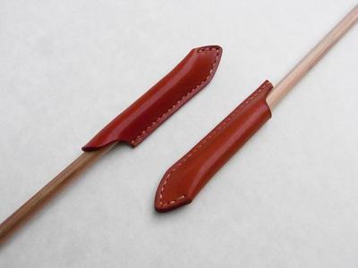 大人のペンシルキャップ typeA(左)とtypeB(右)は縫製箇所と長さが違う