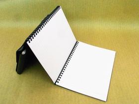 このようなセットにするとノートを立てても使える